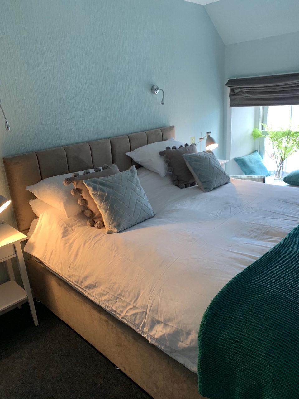 Bruichladdich room, Lochindaal Hotel